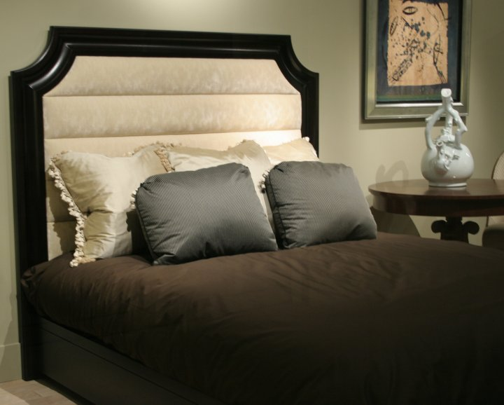 Clipped Panel Bed